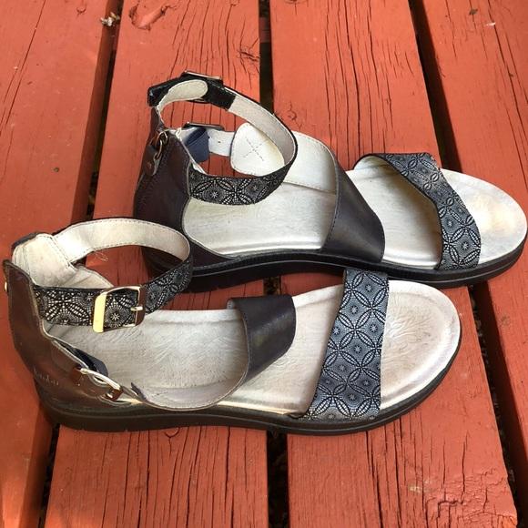 Jambu Shoes - Jambu gladiator navy pattern sandals, size 11